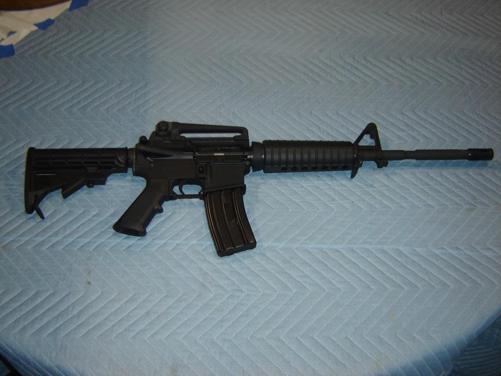 [Image: Bushmaster%20AR15-M4%20223%20CAL%20SEMI%20AUTO.JPG]